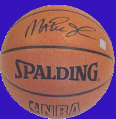best loved e30c5 40bd2 Magic Johnson Autographed Basketball