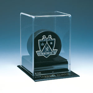 Autographed Deluxe Hockey Puck Display
