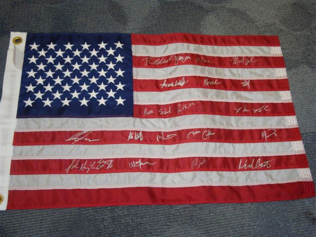 Autographed 1980 Miracle on Ice Team USA Flag